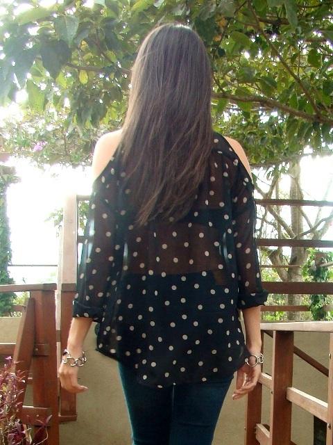 look-con-blusa-transparente-y-brazaletes-de-DIY-en-blog-de-moda-y-personal-style-Desde-el-Trópico