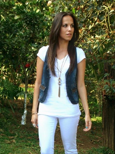 look-en-blanco-y-denim-en-blog-de-moda-y-personal-style-Desde-el-Trópico
