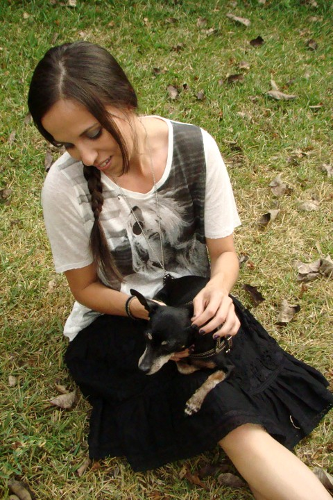 look-en-blanco-y-negro-con-camiseta-Zara-Primavera-verano-2012-blog-de-moda-y-personal-style-Desde-el-Trópico