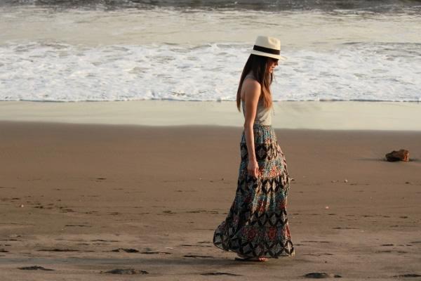 Sombrero Y Falda Larga Estampada... - Blog De Moda Costa Rica - Fashion Blog
