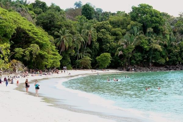playa-Parque-Nacional-Manuel-Antonio-Costa-Rica