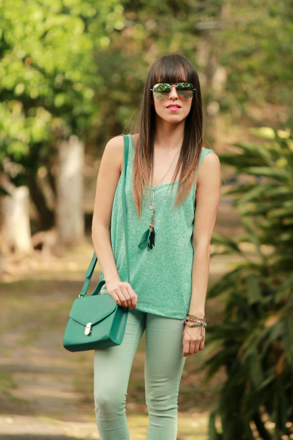 look-monocromarico-en-color-menta