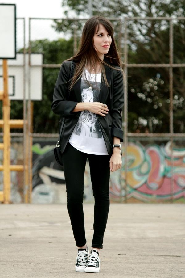 Tenis Converse y blazer en un outfit en blanco y negro - Blog de Moda Costa Rica - Fashion Blog