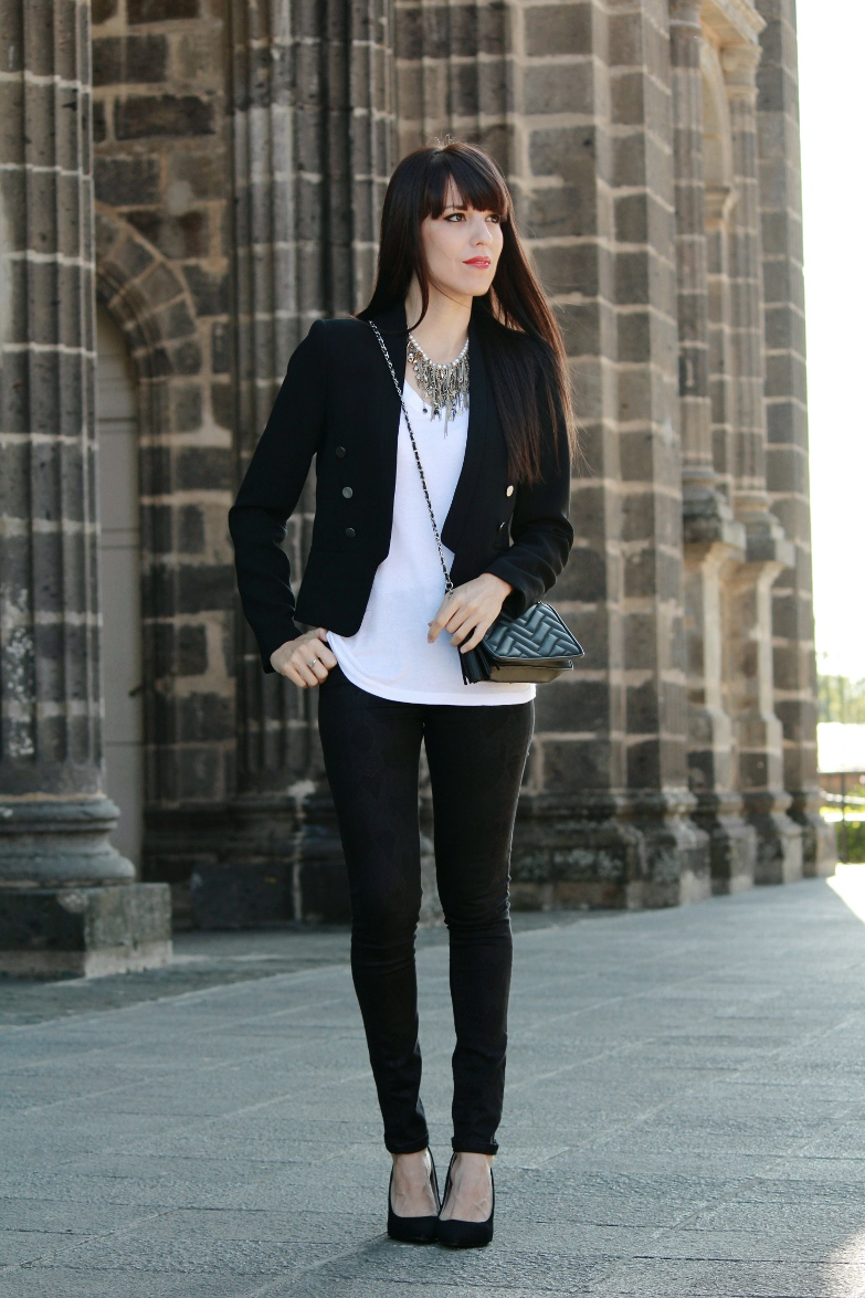 Look de fiesta con jeans camiseta y blazer - Blog de Moda Costa Rica - Fashion Blog