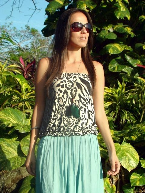 74f730ad1 Falda asimétrica -color menta- en un look con