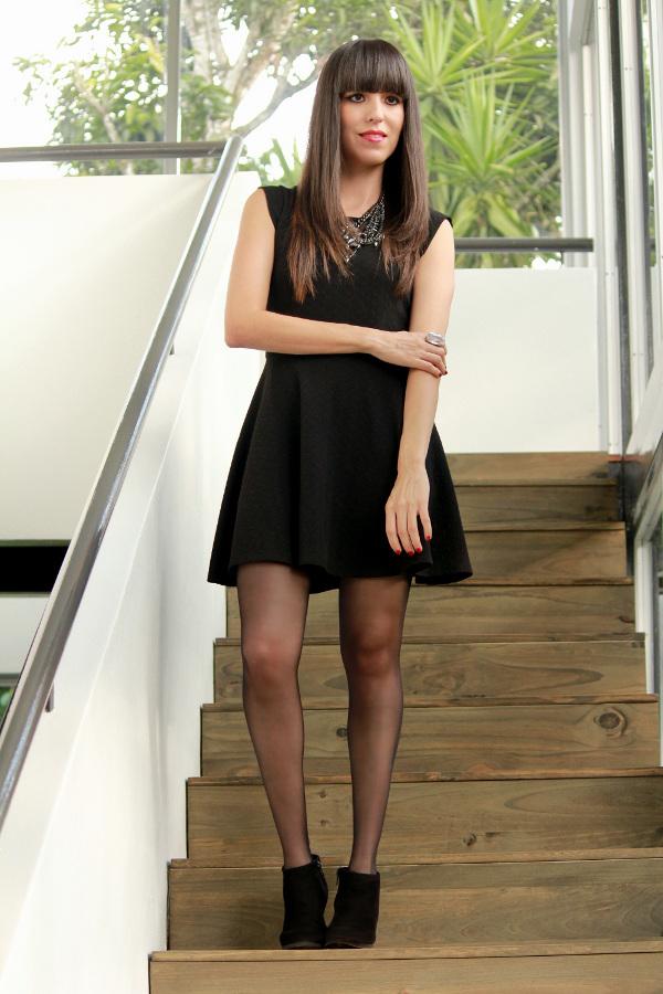 Vestido negro y botines